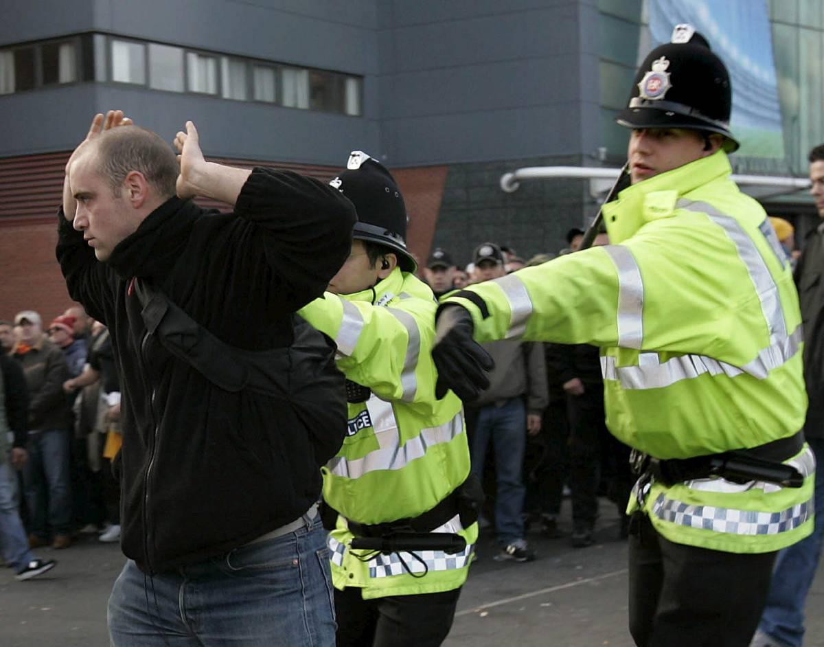 """Amato difende la polizia: """"Londra  pensi ai suoi tifosi ubriachi"""""""