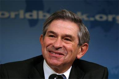 """Il presidente della Banca mondiale, Wolfowitz, ammette: """"Raccomandai la mia compagna"""""""