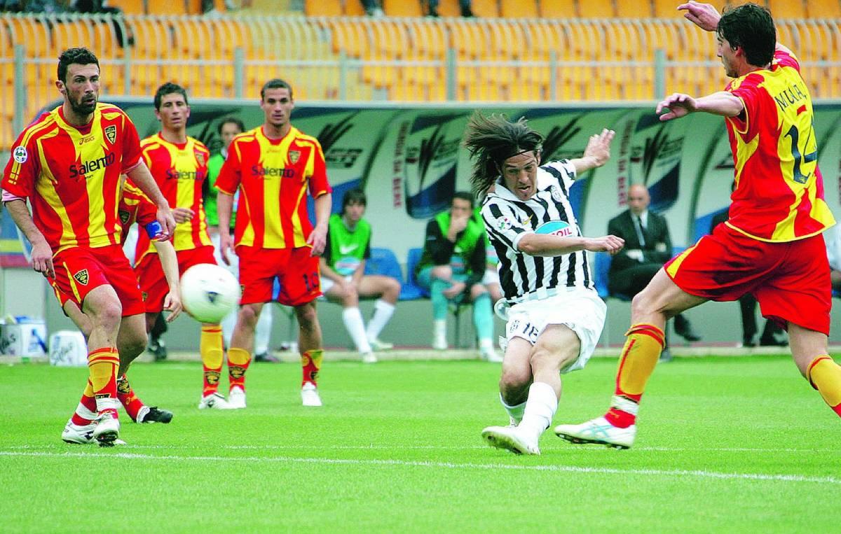 Camoranesi imita Zidane Vince la Juve dei campioni