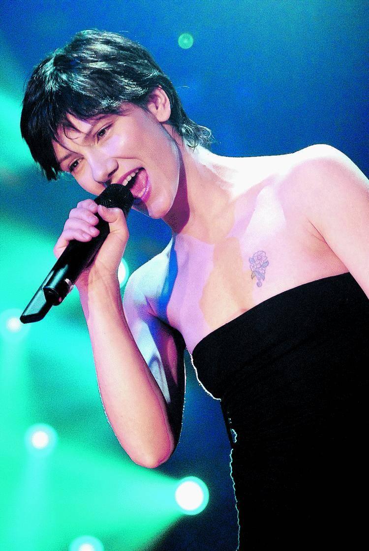 Elisa, la first lady del pop scende dalle nuvole per colpire al cuore i fan