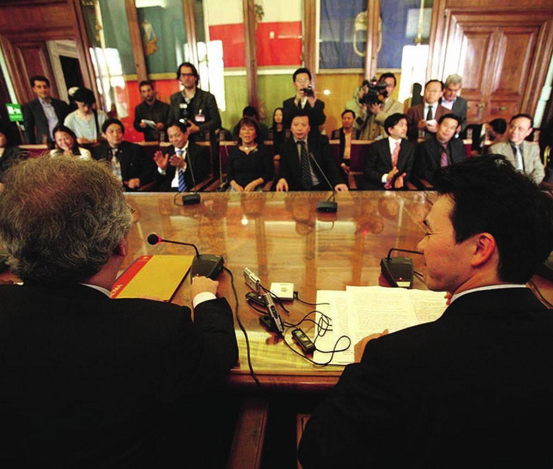 Ultimatum dei cinesi: «Basta coi controlli»