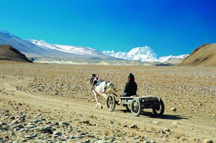 Tibet, il mistero della nevicata artificiale