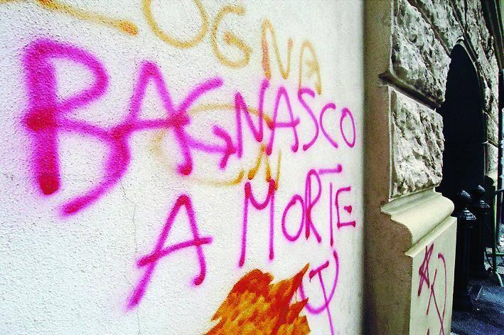 La città reagisce alle minacce  dei no global contro Bagnasco