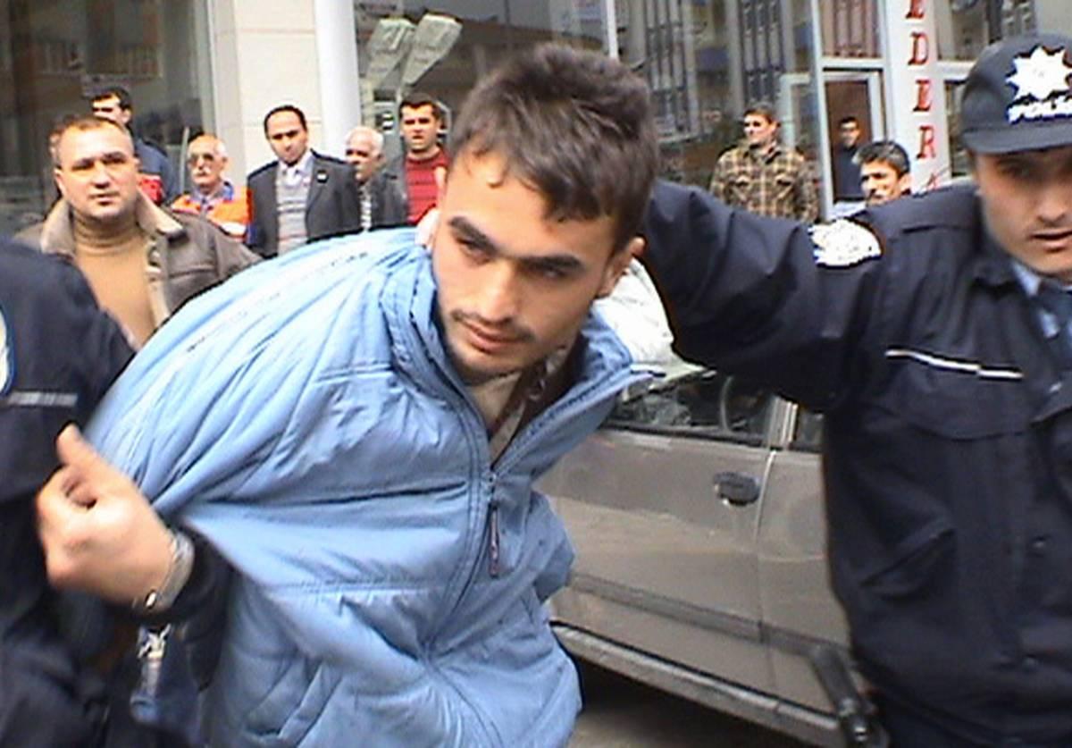 Turchia, 10 giovani fermati  per la strage di Malatya