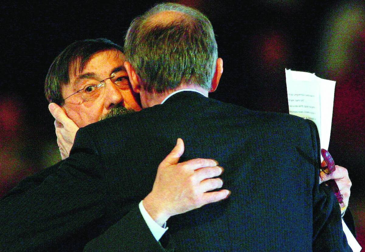 Comincia il dopo-Prodi Veltroni contro D'Alema per la leadership del Pd