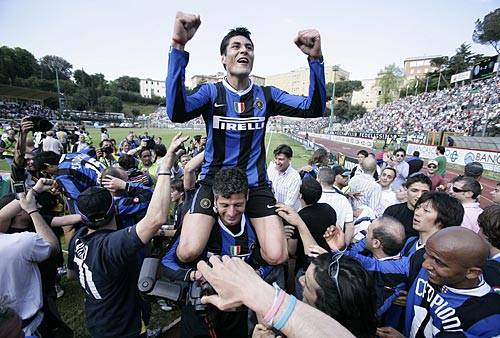"Esplode la gioia dei campioni d'Italia. Ibrahimovic: ""Dove vado io si vince"""