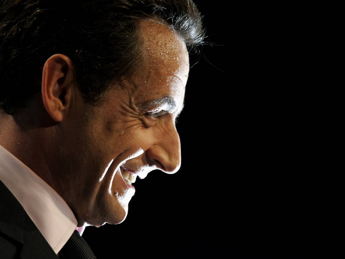 Sarkozy e la Royal al ballottaggio  Il gollista al 30%, la socialista al 24