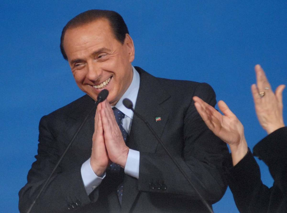 "Berlusconi: ""Biagi in tv? Complimenti e lunga vita"""