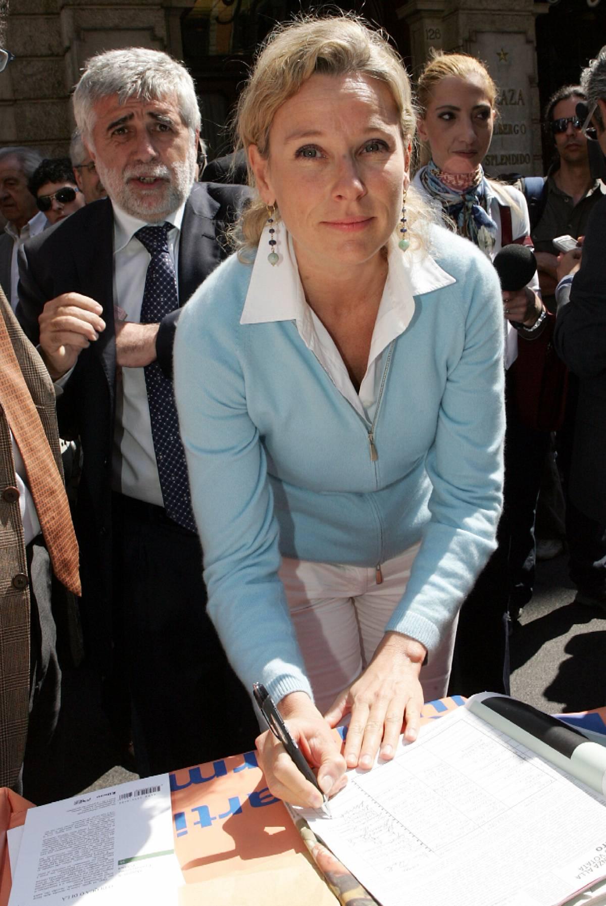 La firma dei ministri al referendum sgambetta il governo