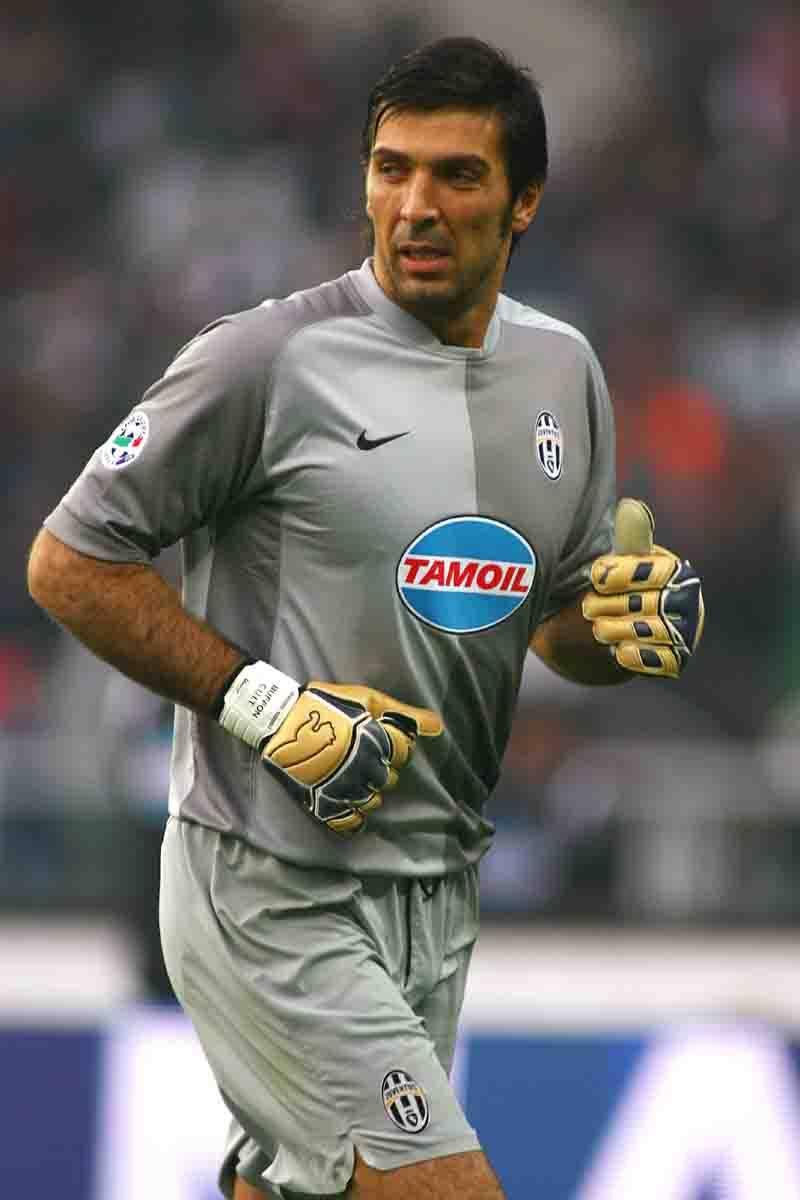 """Assalto alla Juve, ma Deschamps stoppa Buffon: """"Non ha prezzo"""""""