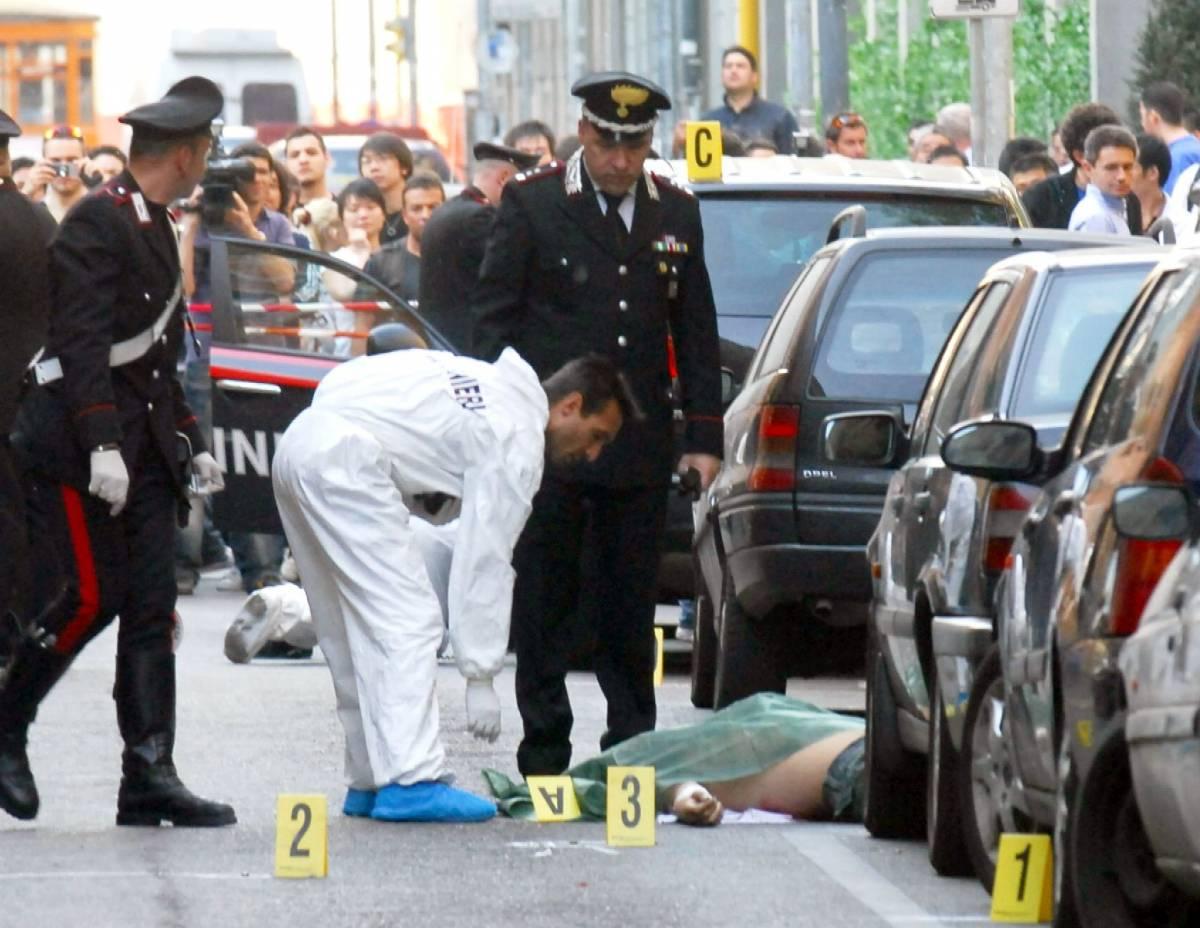 Milano, spari tra la folla nel cuore di Chinatown: due morti