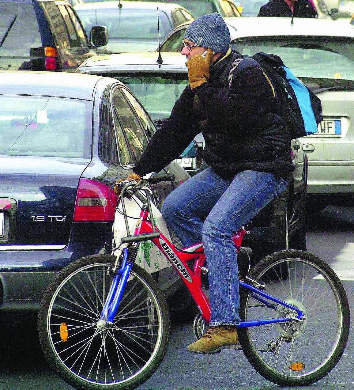 Milano è perfetta per le bici il vero problema sono le auto