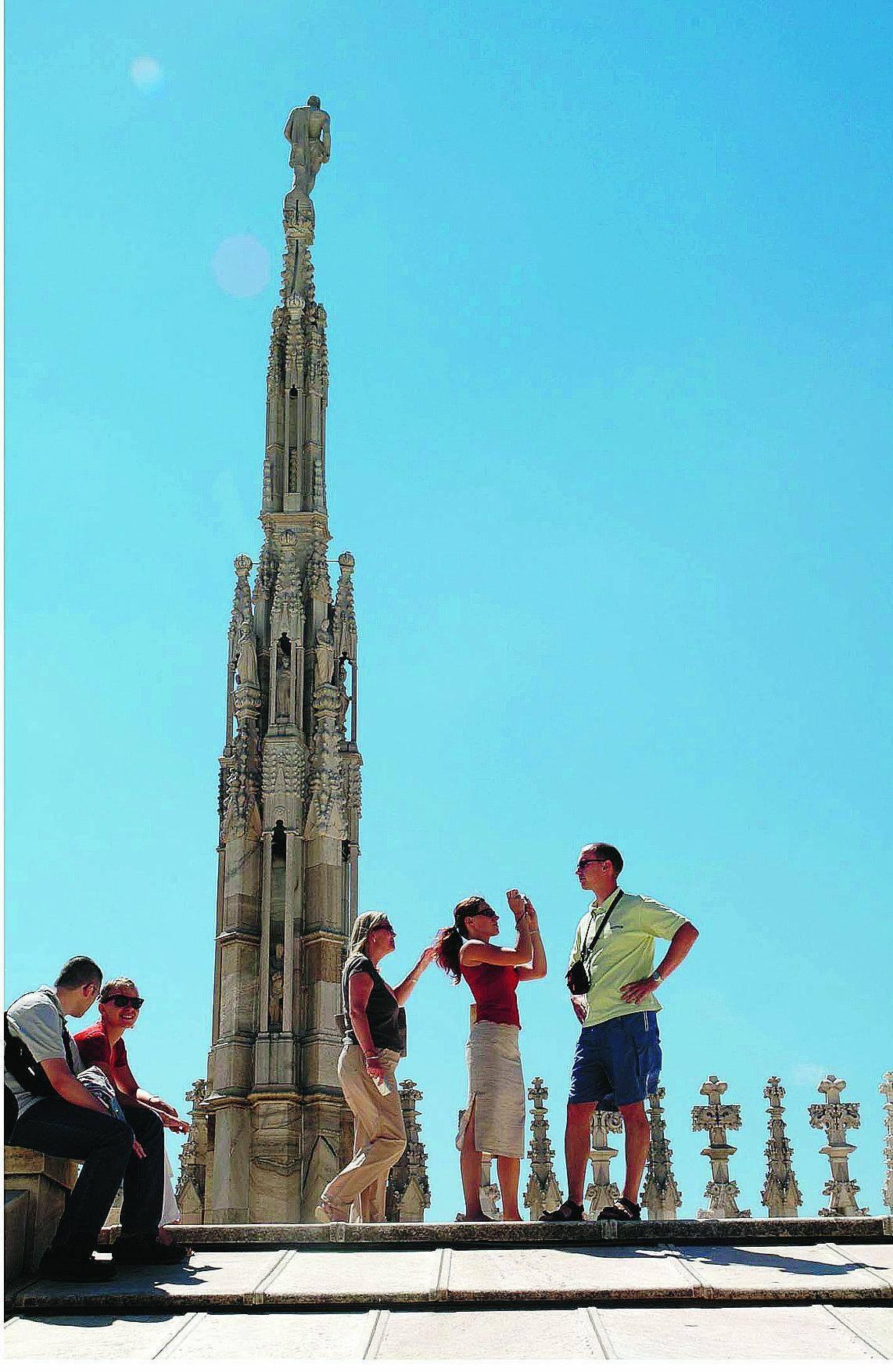Milanesi, un ponte per fuggire e la città si riempie di turisti