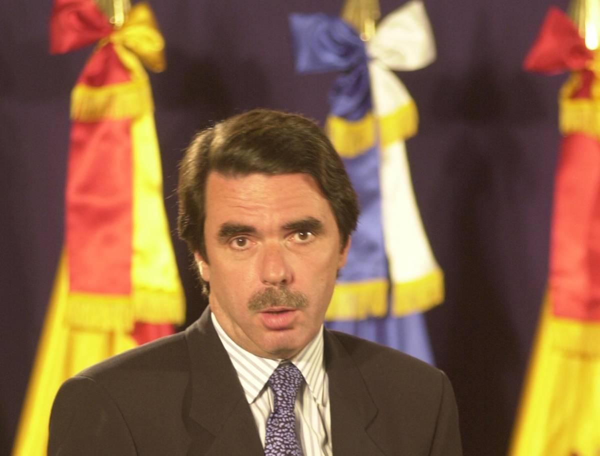 """Guerra in Irak, Aznar contro Blair. """"L'intervento ha aiutato la Spagna"""""""
