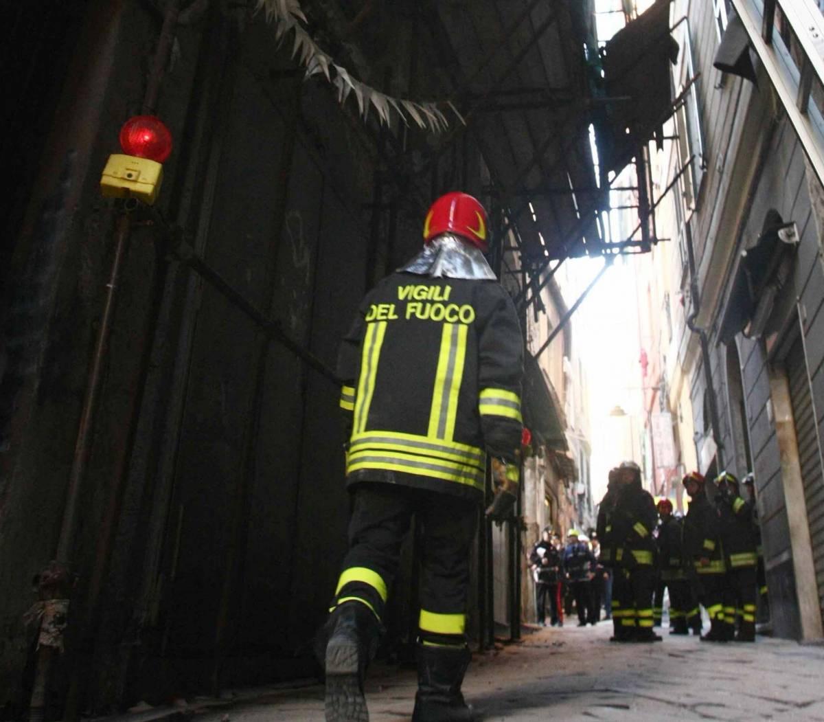 Crolla palazzo pericolante da 17 anni
