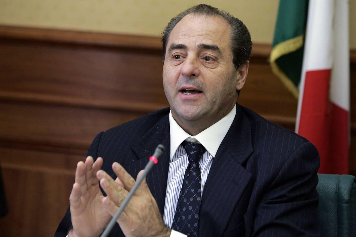 """Di Pietro attacca: """"Giudici imputati, politici intoccabili"""""""