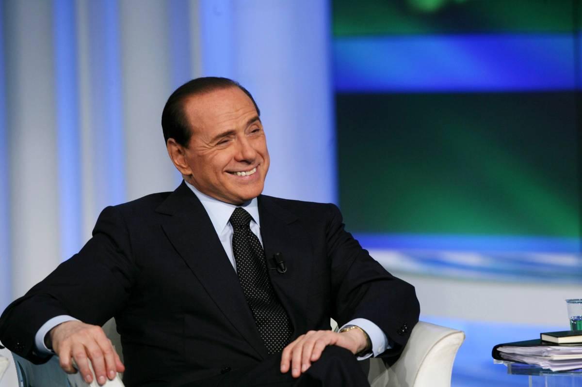 """Berlusconi: """"L'esecutivo imploderà"""""""