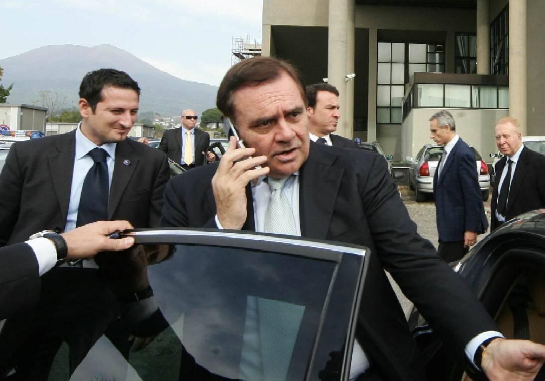 """Taglio ministri, Mastella contrario   Poi ci ripensa: """"Ho votato a favore"""""""
