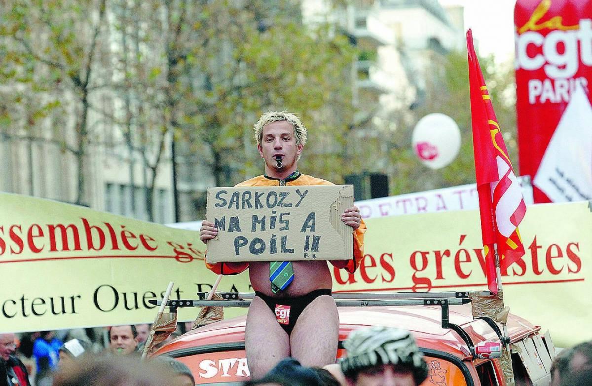 Lo sciopero paralizza la Francia ma Sarkozy non cede ai sindacati