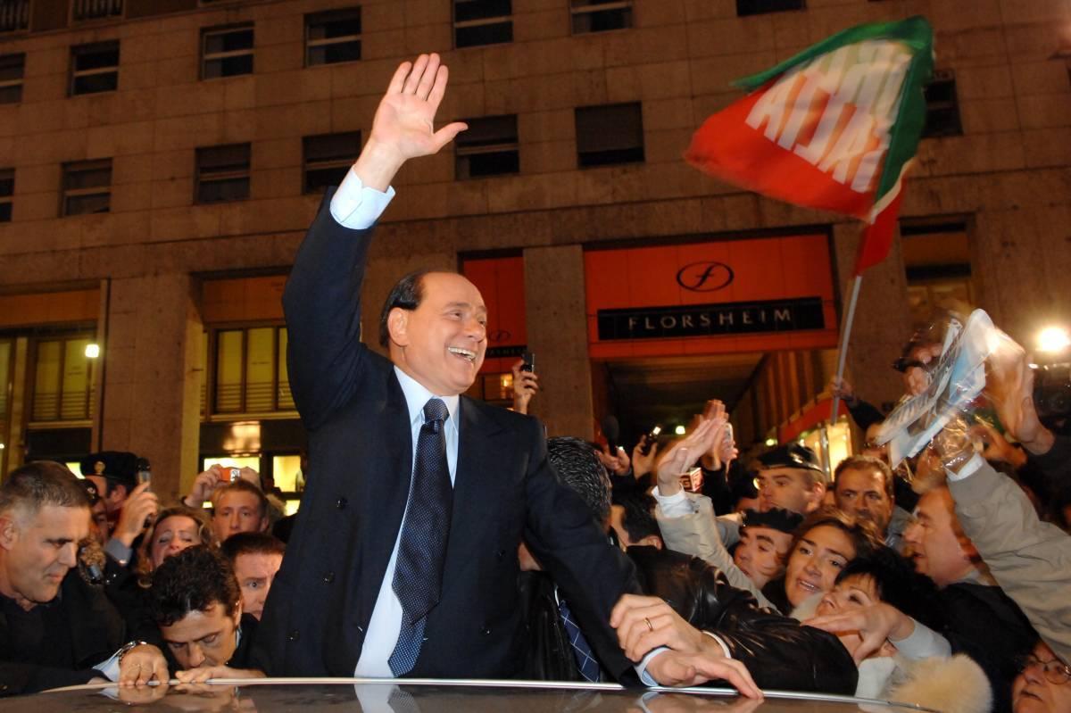 """La svolta di Silvio: """"Fondo il Partito del popolo italiano della libertà"""""""