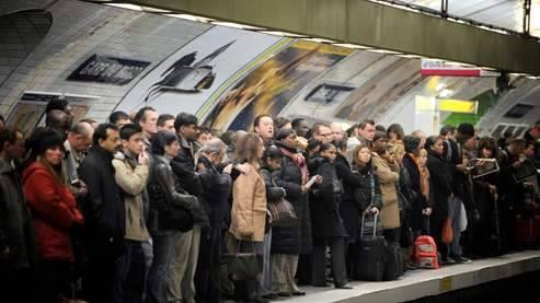 Francia, ferrovie in ginocchio:   è il sesto giorno di scioperi