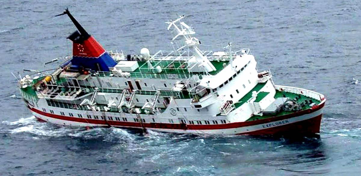 Antartico, affonda nave da  crociera. Salve 154 persone