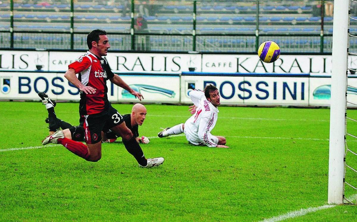 Il Pallone d'oro è quello di Pirlo Kakà sbaglia ma il Milan vince