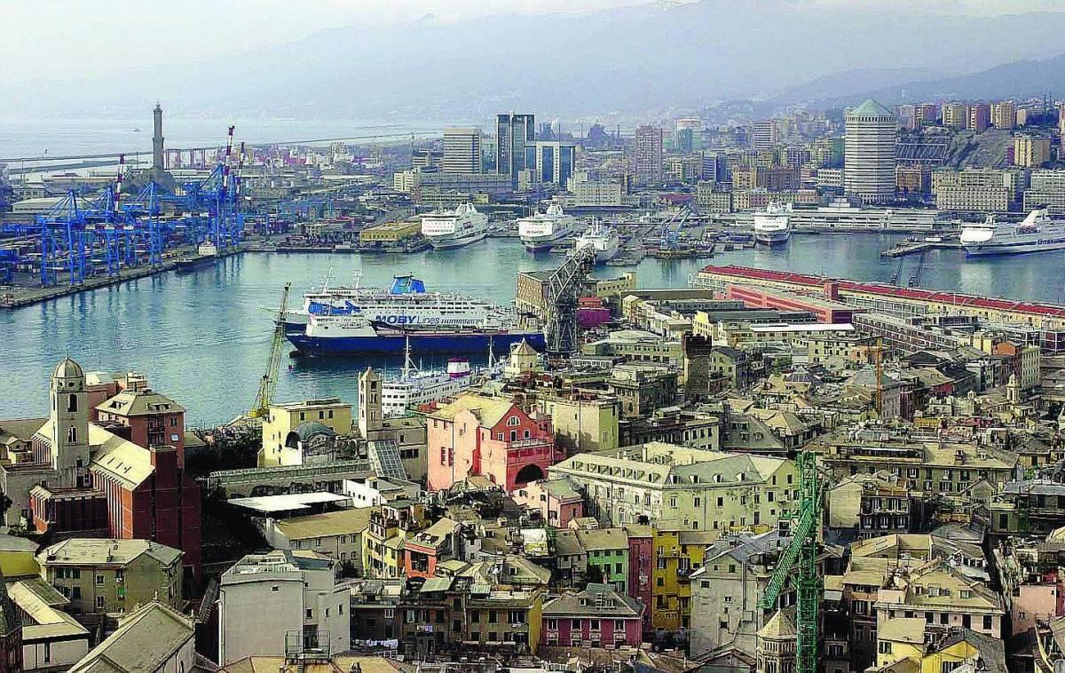 A Genova è battaglia per il controllo del primo porto d'Italia