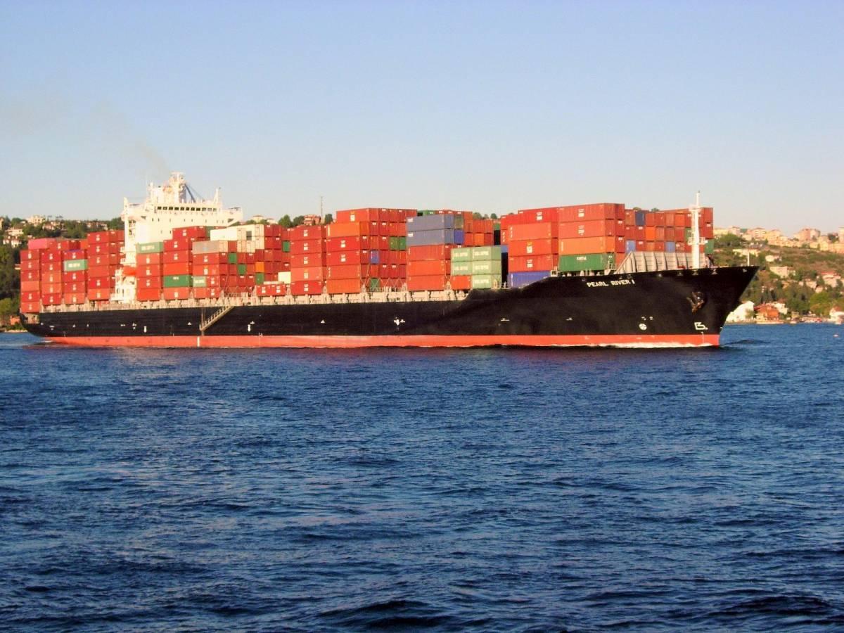Esplosione su petroliera:  due feriti fra i marittimi