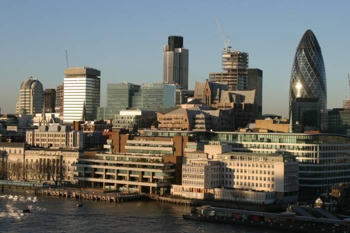 Londra, troppe tasse: multinazionali in fuga