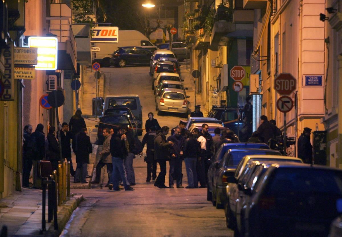 Atene, ferito poliziotto  Arrestati 72 sospetti