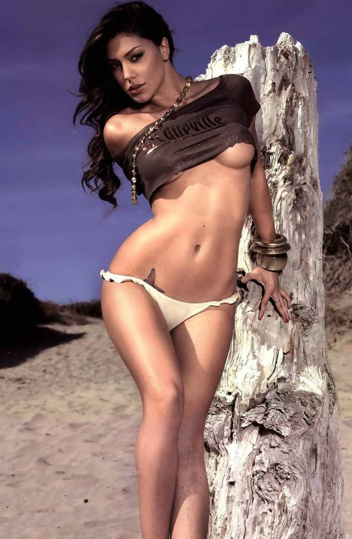 Belen Rodriguez a Beverly Hills  per il prossimo cinepanettone