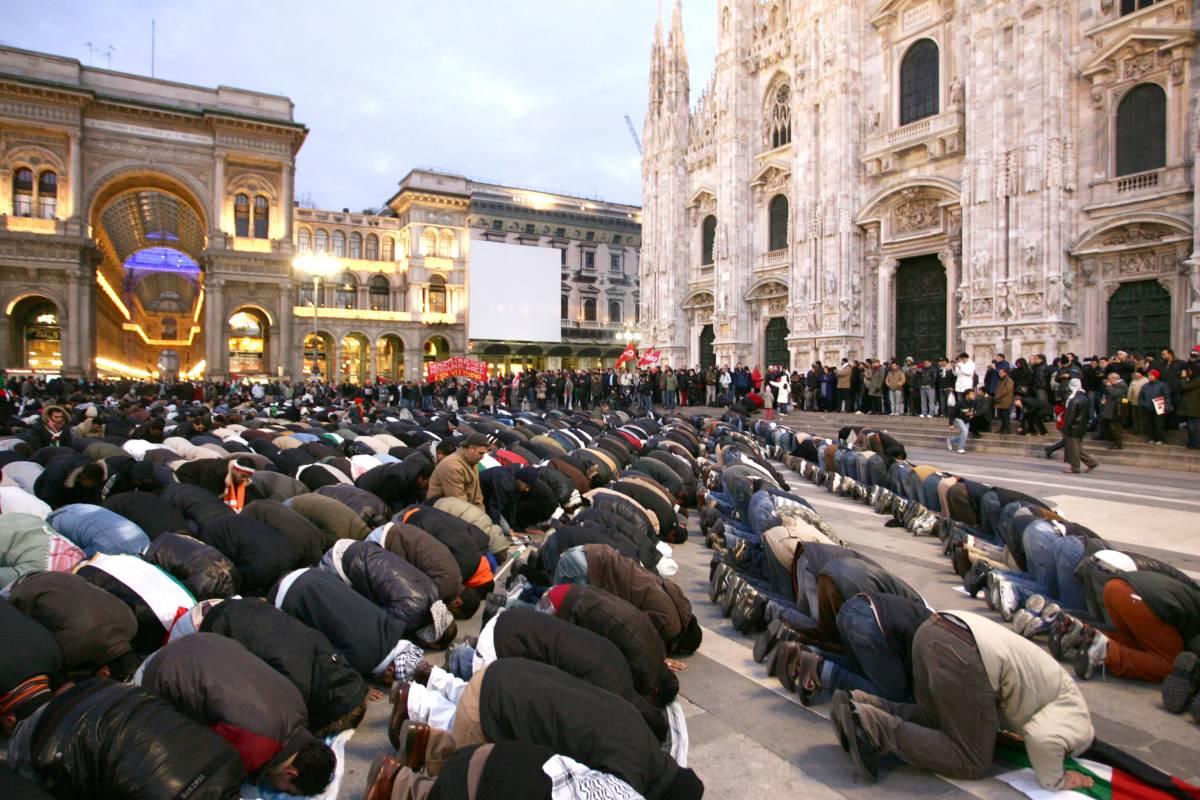 Moschea in piazza Duomo: Tettamanzi tace