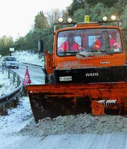 La Provincia scioglie la neve  spargendo sale e pulisce  anche Parma e Alessandria