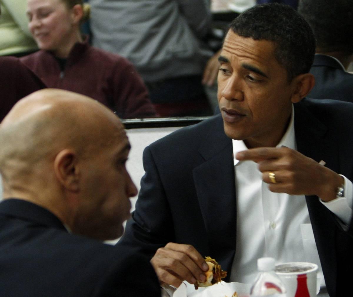 Barack va al fast-food e mangia gratis