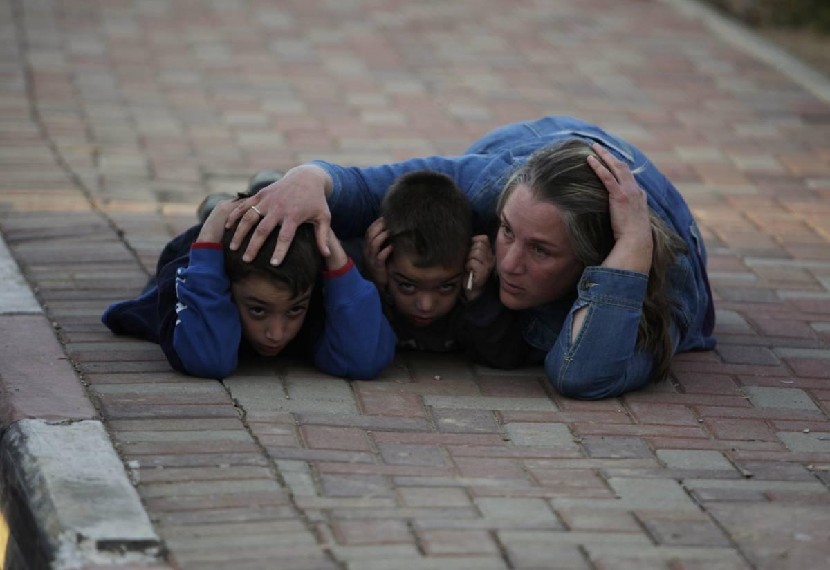 """Gaza: """"Tregua finita"""". E riprendono gli scontri  Israele: """"Via libera alla terza fase dell'offensiva"""""""