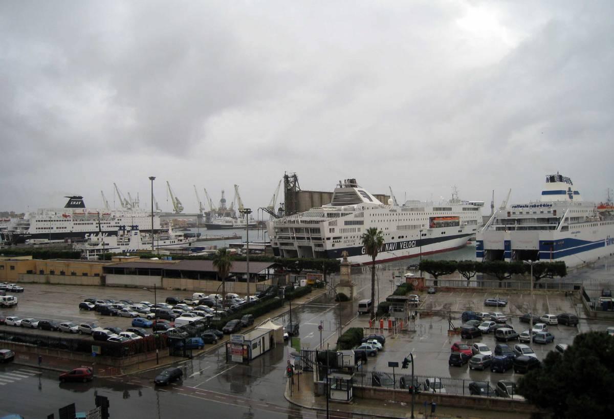 Uragano in Sicilia e Calabria  Allarme frane e allagamenti