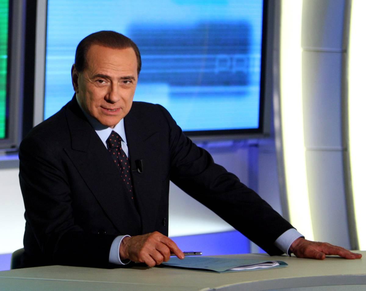 Immigrati, Berlusconi: no  alla tassa, Bossi è con me  E' scontro sul dl anticrisi