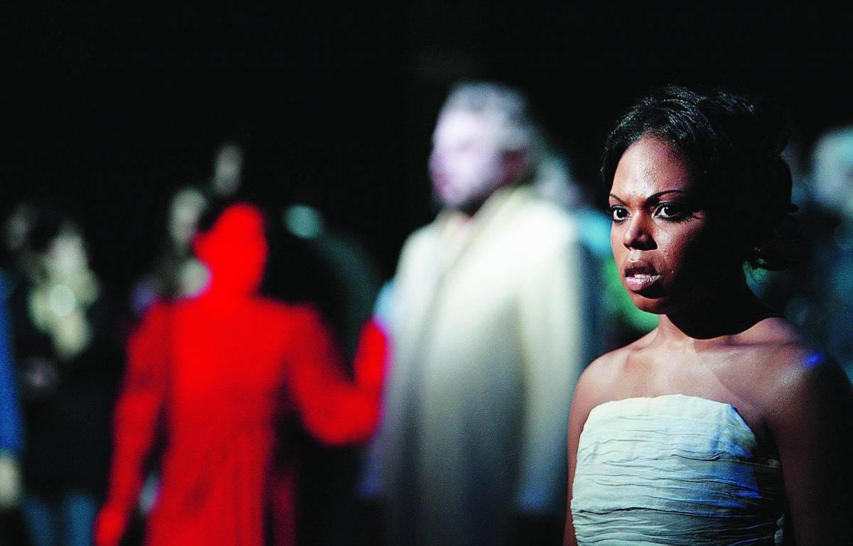 «Aida» diventa minimalista