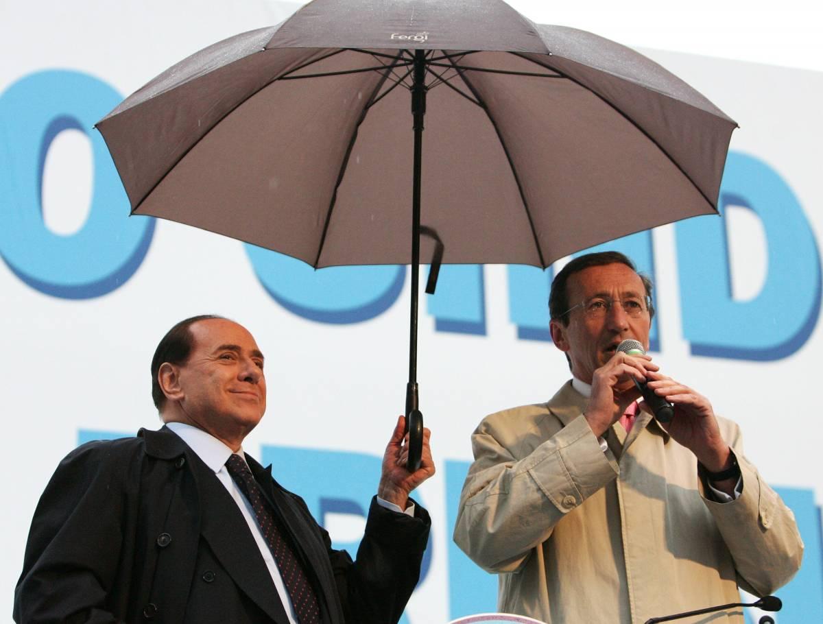 """""""Patto della spigola"""",  Berlusconi e Fini :  """"Ora ci parleremo di più"""""""