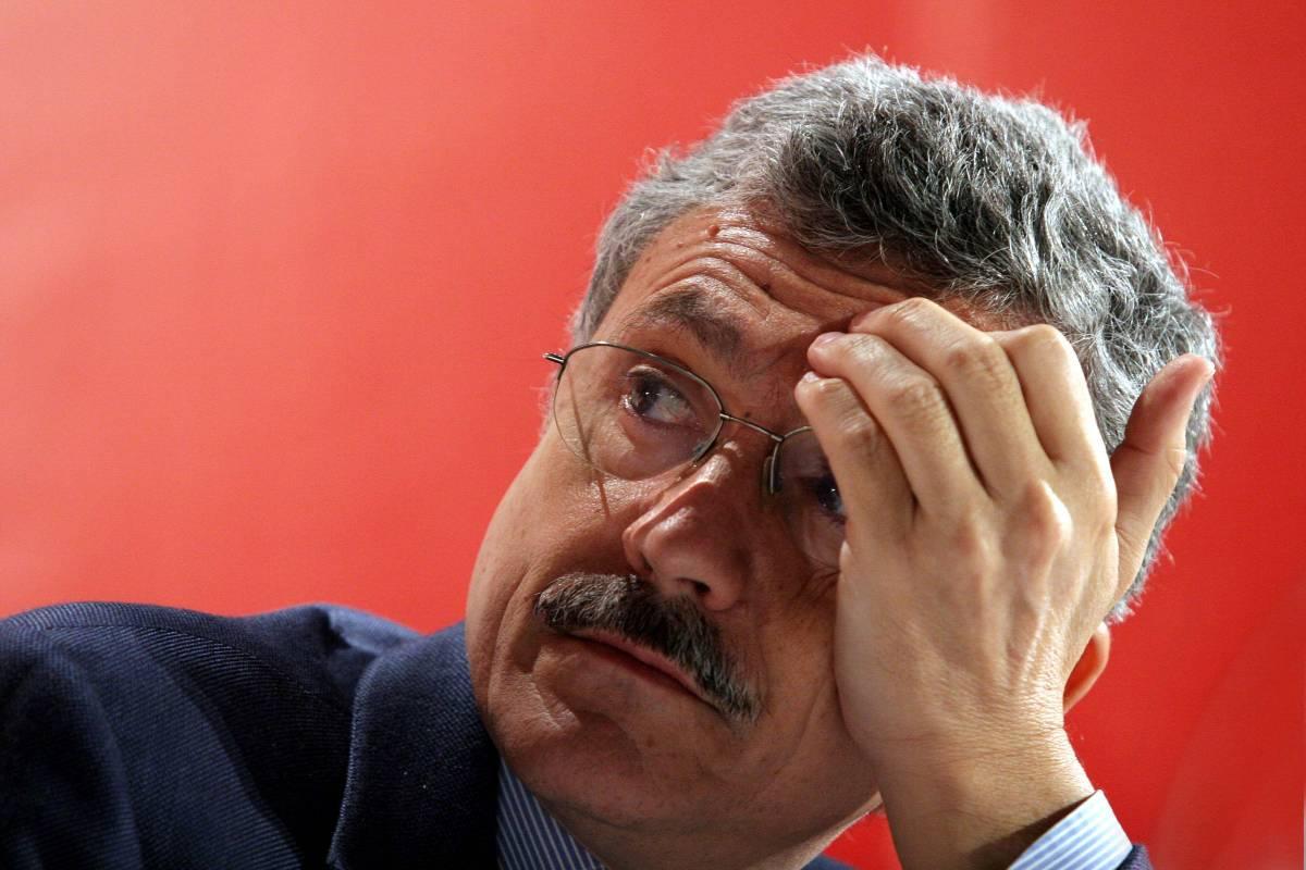 """E D'Alema il palestinese critica """"l'Italia ignorante"""""""