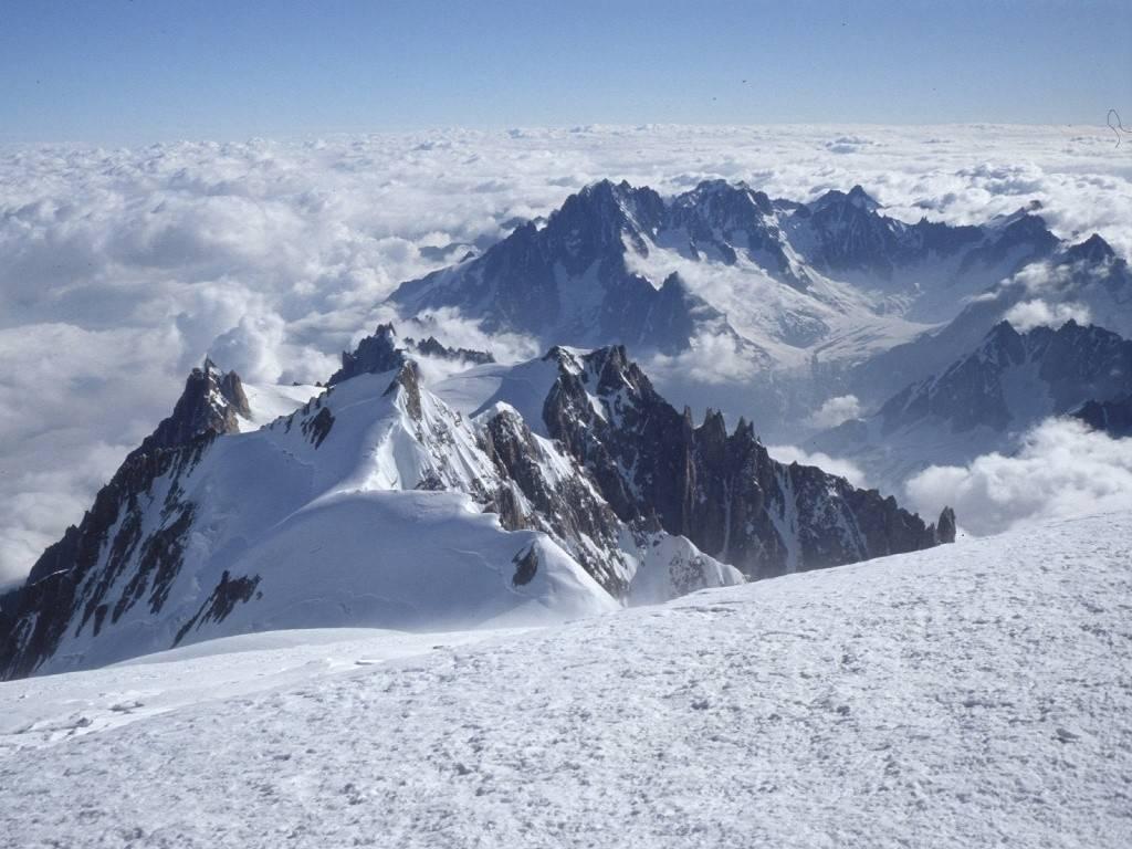 Tragedia in montagna: 4 alpinisti morti  sul Monte Bianco