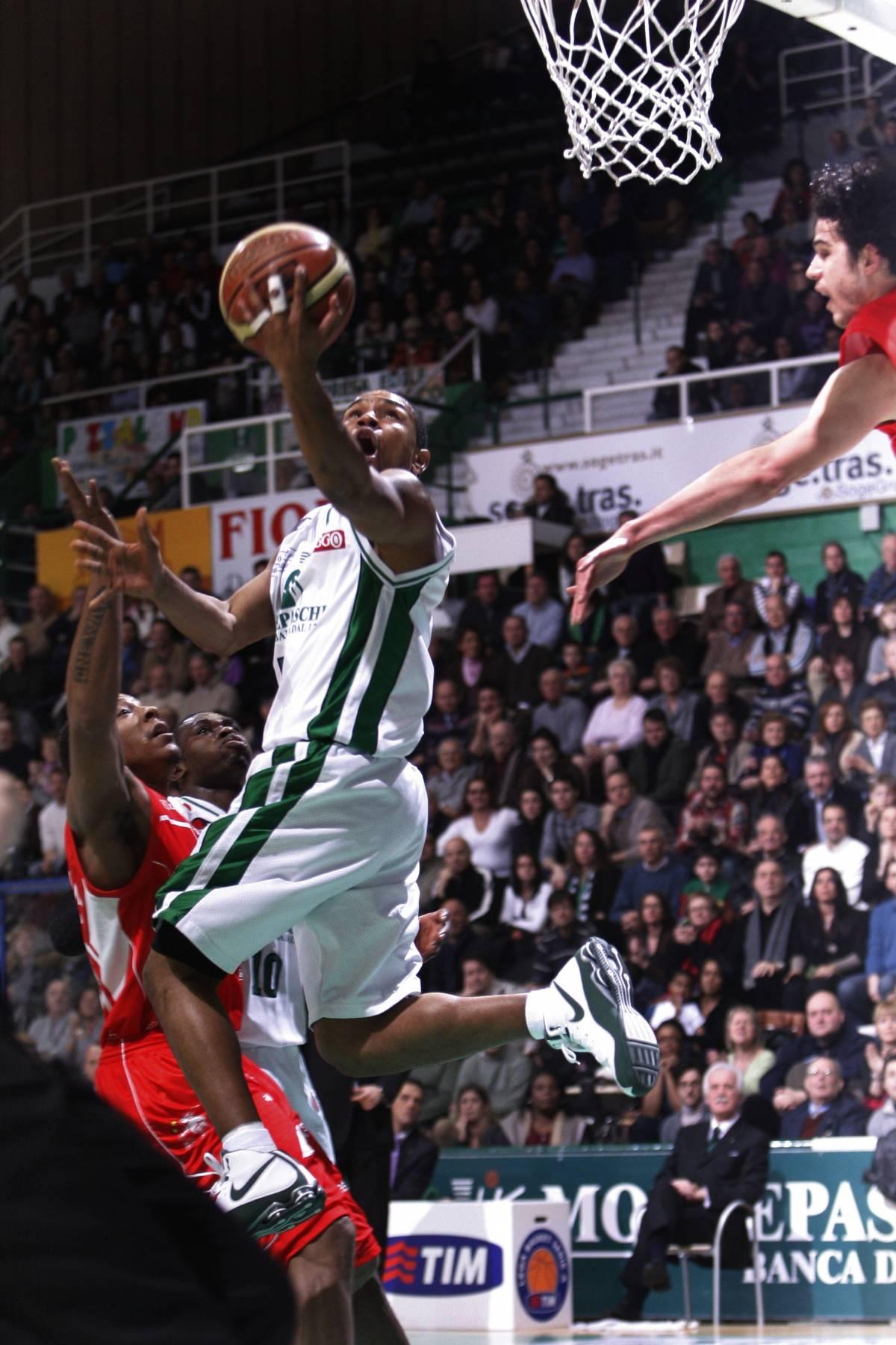 Basket, en-plein di Siena  Milano: no Coppa Italia