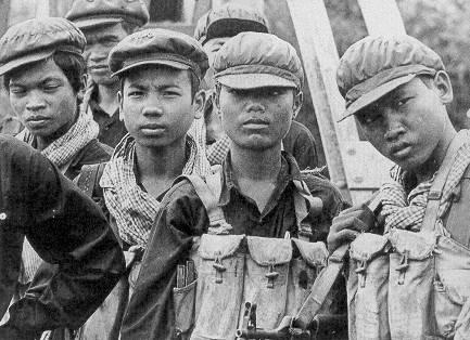 Cambogia, a processo per genocidio  cinque ex capi dei Khmer rossi