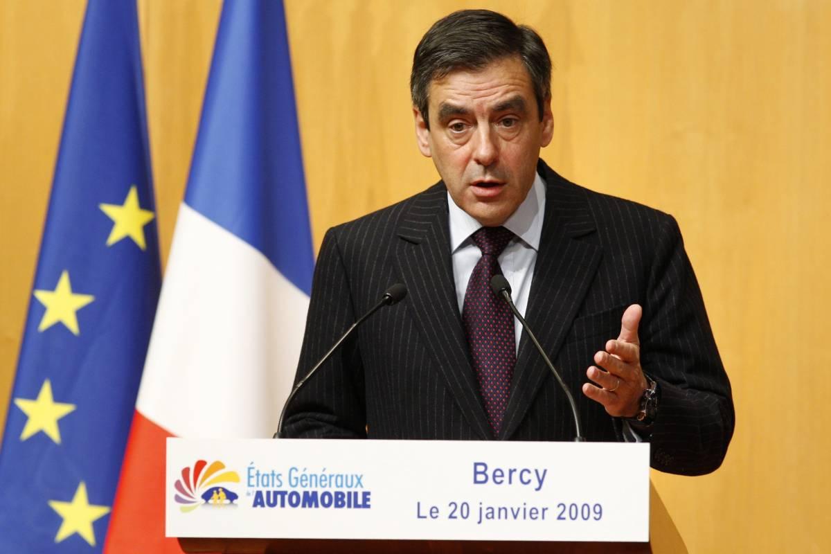 Auto, la Francia prepara aiuti per 5 o 6 miliardi