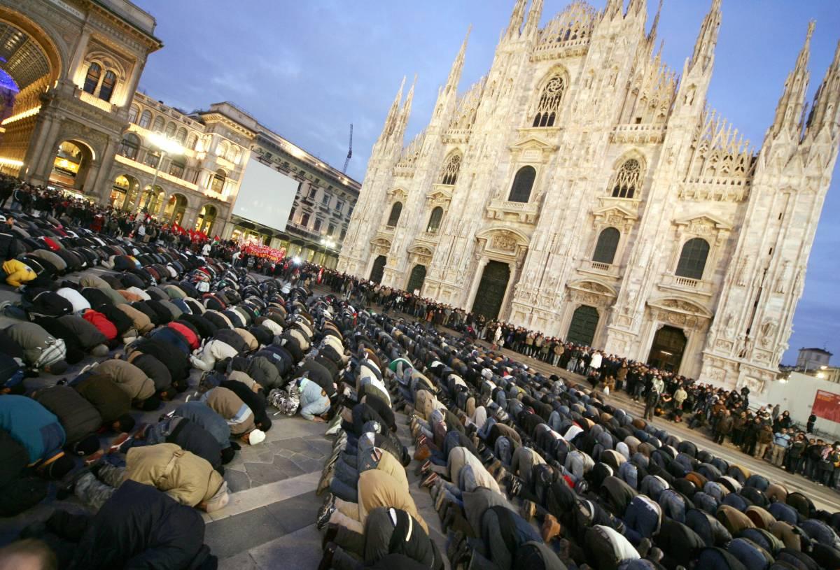 Islam, Maroni vieta le preghiere in piazza