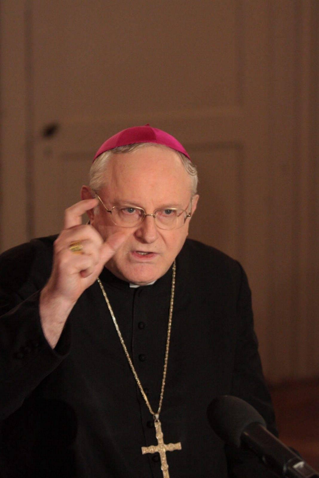 Santità, pedofilia e ricatti milionari  Il grande intrigo che scuote Verona