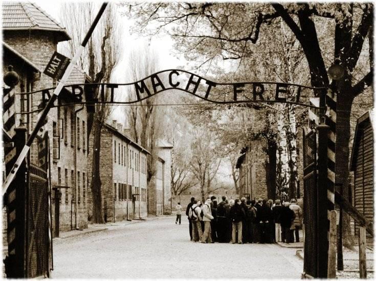"""Memoria, Napolitano: """"Attenti al nuovo antisemitismo"""""""