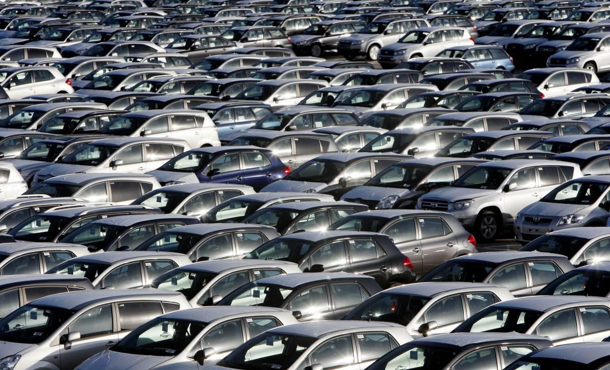 """Scajola: """"Il pacchetto  auto entro 10 giorni""""  300mila a rischio cig"""