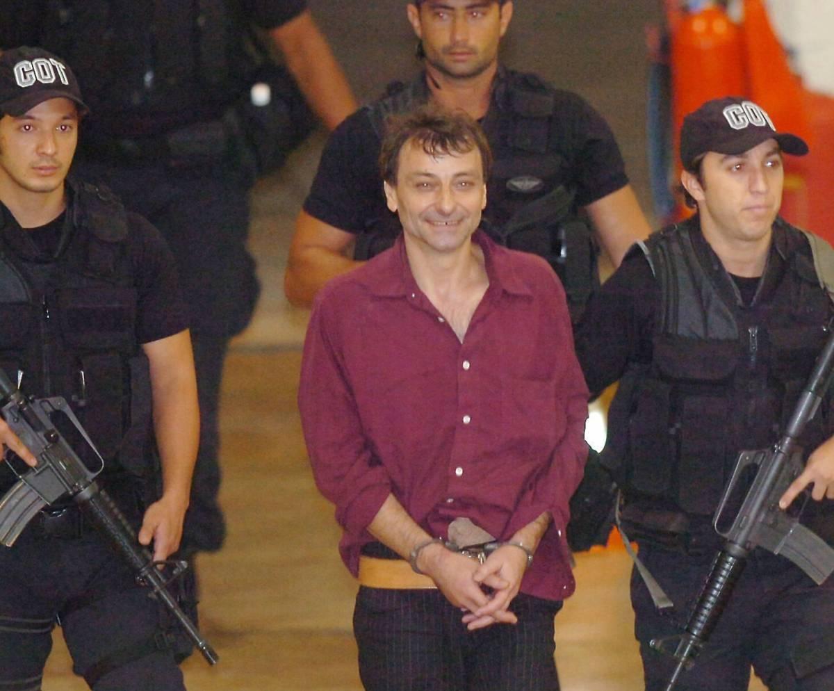 Frattini: vie legali per Battisti  Genro: ultima parola al tribunale